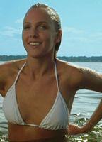Christine nackt Bently Christine Pomponio