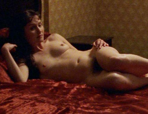 Esther Hausmann  nackt