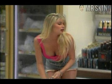 Nackt Bobbie Brown  Millie Bobby